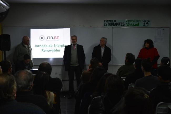El Ing. Jorge Omar Del Gener, acompañado del Ing. Ricardo Rivero, presentó la charla