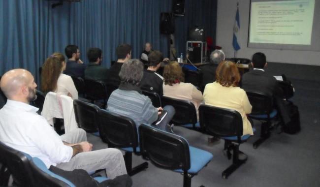 La Cátedra se realizó en el Salón de Videoconferencias