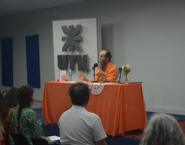 El maestro espiritual remarcó los beneficios de la meditación
