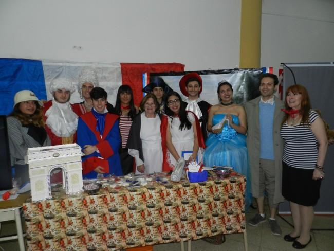 Uno de los grupos de idiomas participantes de la muestra